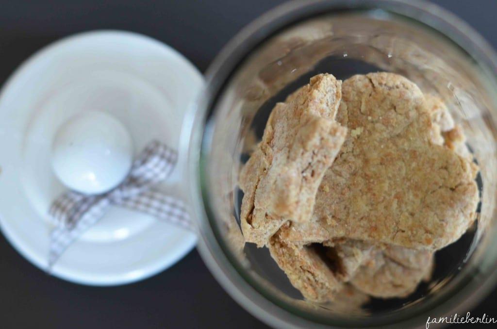 Zuckerarme Plätzchen für Kleinkinder: Ein Rezept aus Vollkorn, Vanille und wenig Zucker. Denn auch Babys und Kleinkinder wollen Weihnachtskekse.