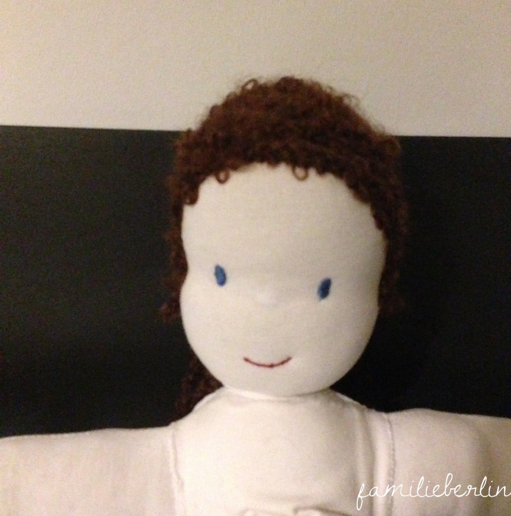 selbstgenähte Puppe, DIY, Nähen, Nähbuch, Nähen für Kinder, Spielzeug, Puppenkleidung