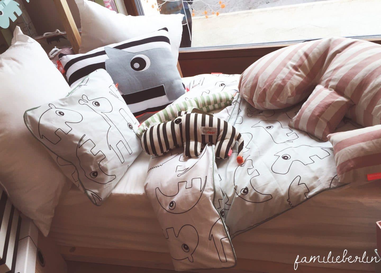 von viel n he zu vielen worten unser einschlafritual familieberlin. Black Bedroom Furniture Sets. Home Design Ideas