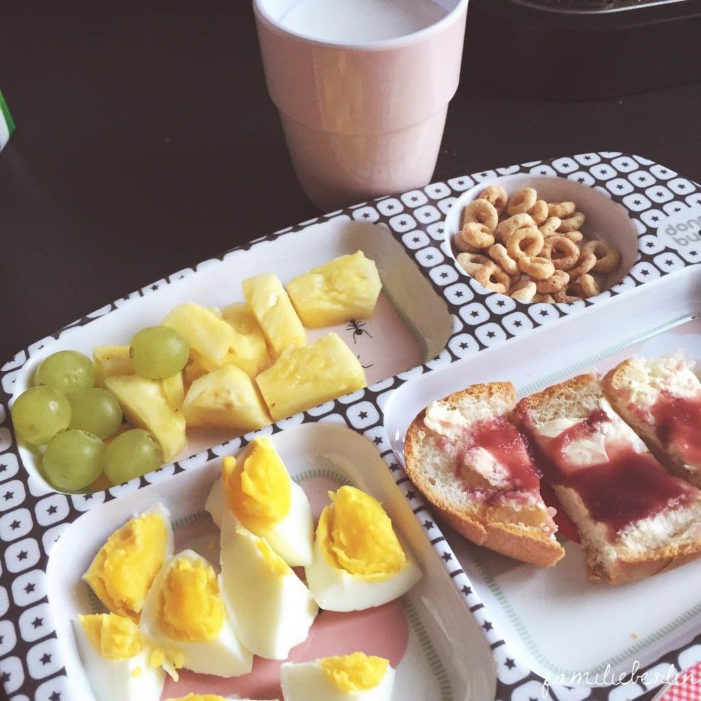 Fruehstück, Obst, Teller, Milchschaum, Kleinkindessen, FIngerfood