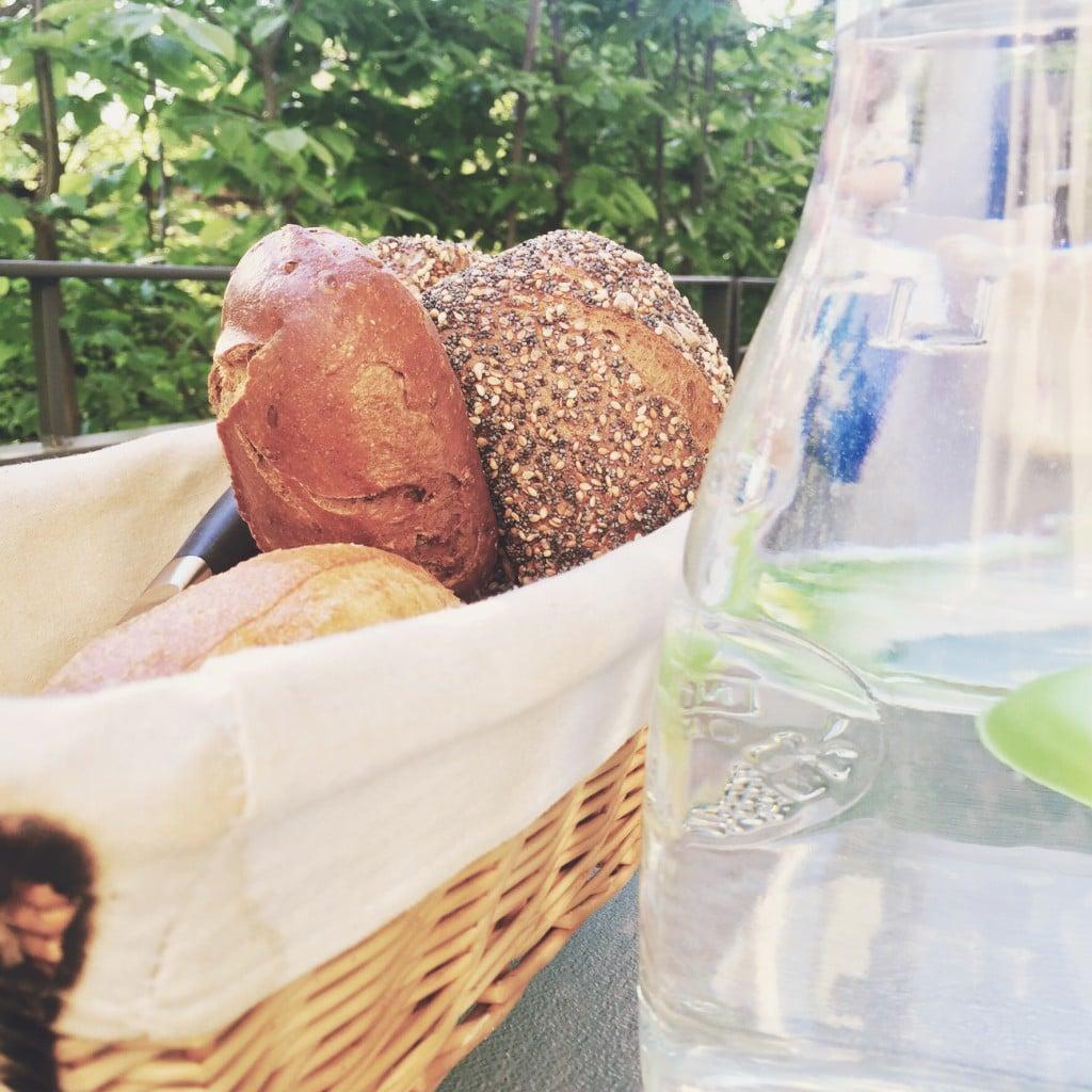 Broetchen, Brot, Sommer, Terasse