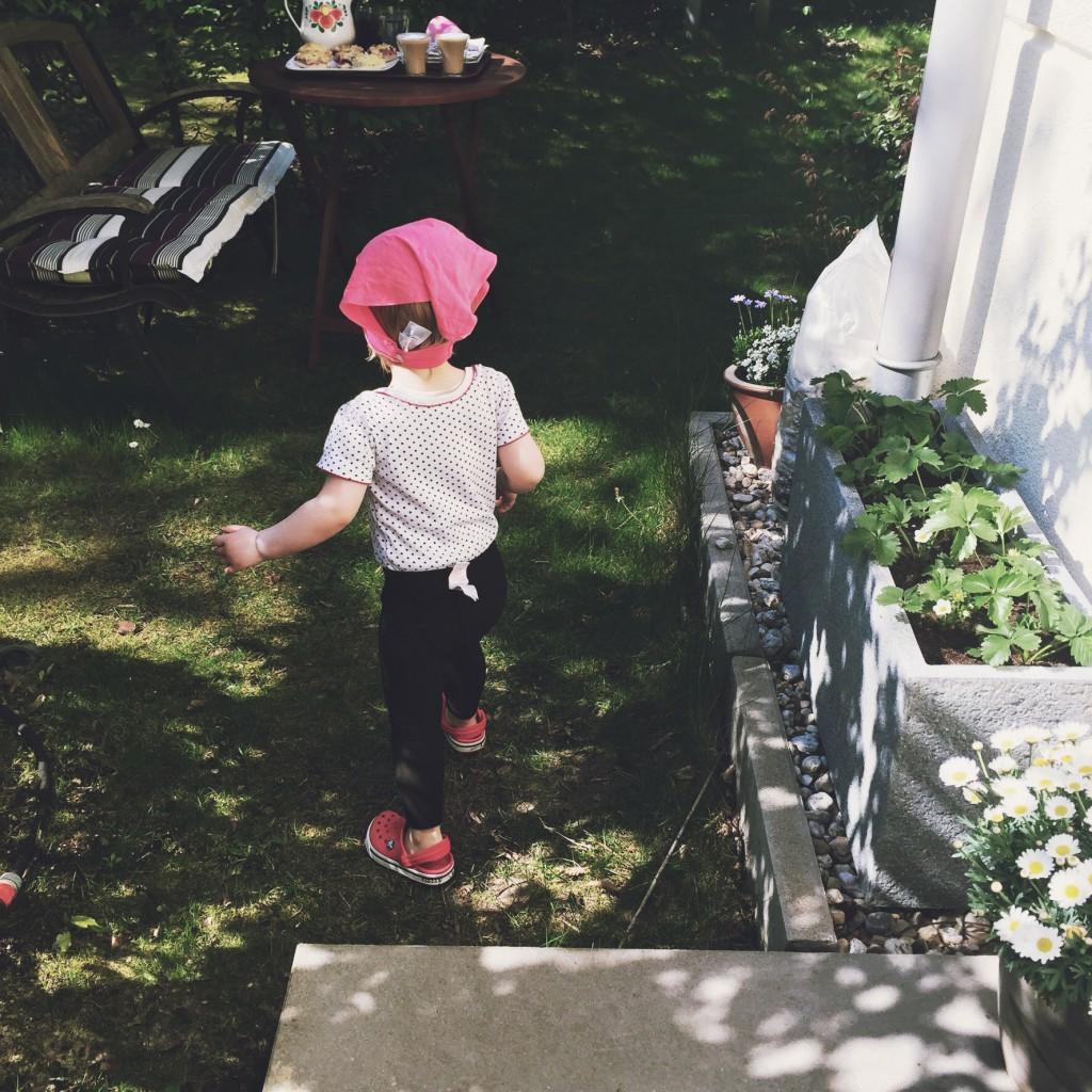 Garten, Kleinkind, Blumen, Sommer