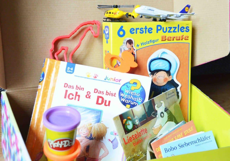 Beschäftigung während des Stillens, Kleinkind, spielen während Baby stillt, Büchertipp, Geschwister werden,