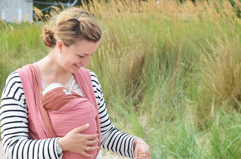 Babys tragen, Tragetuch, Mamanuka, Baby, Kleinkind, Geborgenheit, Nähe, Babytrage, Bauchgefühl, Konflikte, Kindererziehung, Erziehung, Attachment Parenting, Geborgen Wachsen, Aufwachsen, liebevolle Erziehung