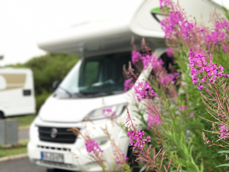 Wohnmobil mit Kindern, Urlaub mit Kindern, Familienurlaub, Camper, Frankreich, Auvergne, Zeltplatz, Stellplatz mit Wohnmobil