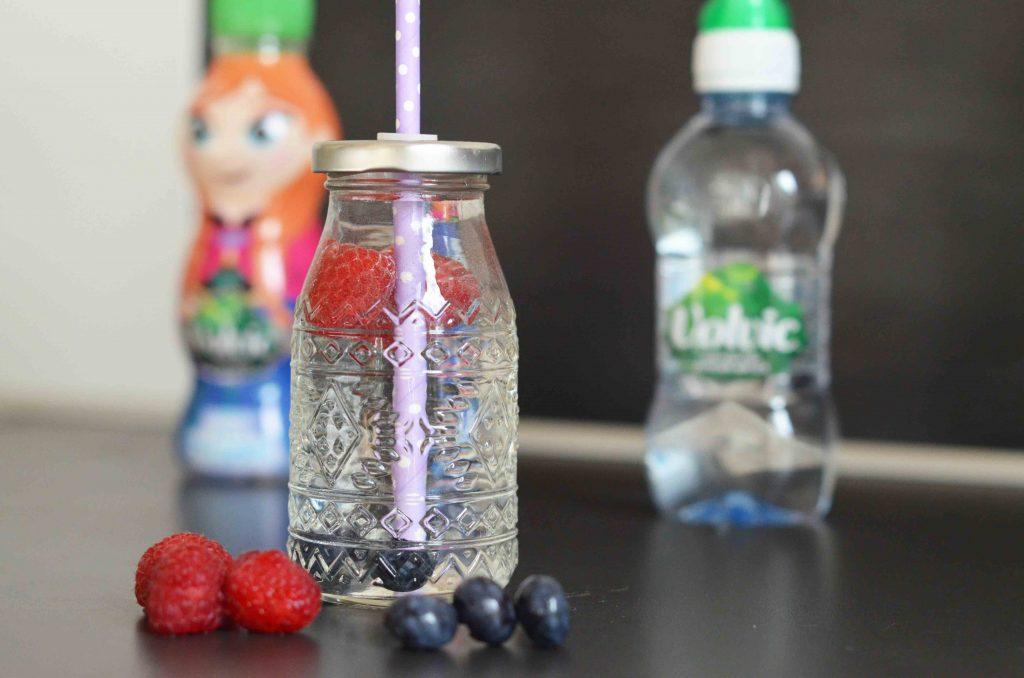 Wasser trinken mit Kindern, Wasser statt Saft, ungesüsste Getränke, Wasserhaushalt, Trinken mit Baby, Tipps und Tricks Trinken
