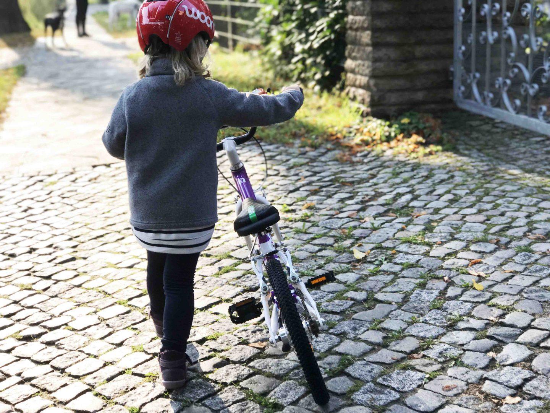 Wenn das Kind Angst vor dem Fahrradfahren hat: Radfahren mit Woombike