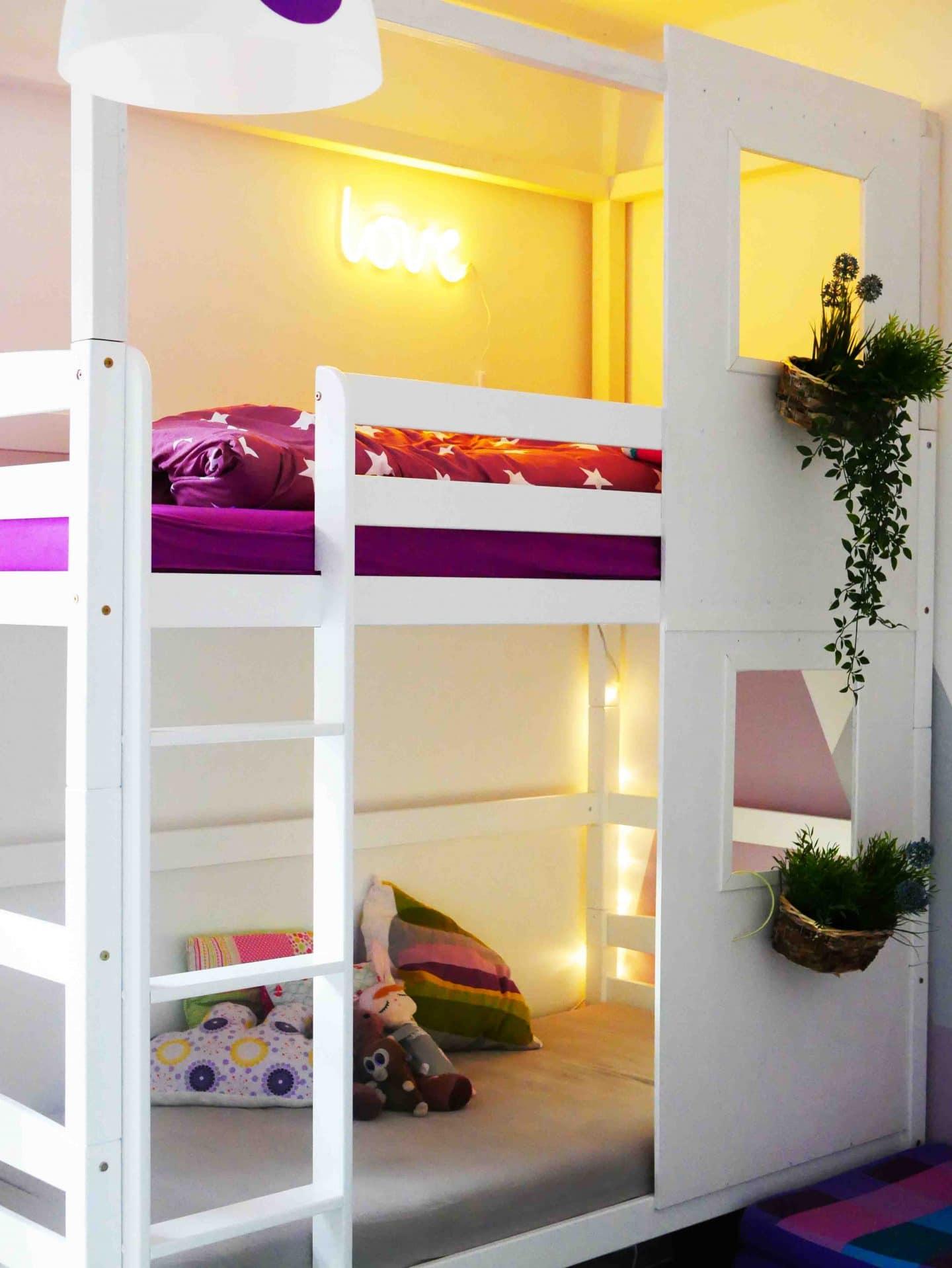 Ein Hausbett für Geschwister: Wir verwandeln ein Etagenbett in ein ...