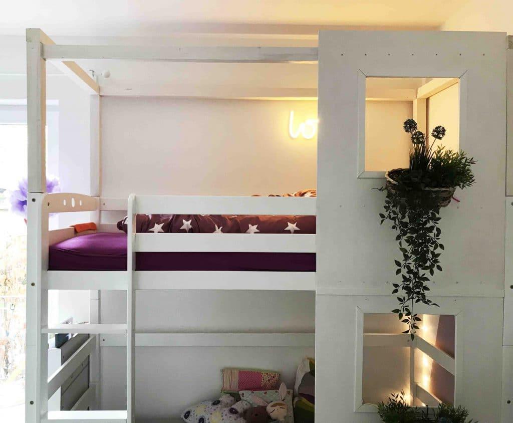 Kinder Etagenbett Haus : Kinder hochbett mit haus und lattenrost lifetime villa
