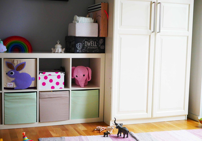 Für Kleinere Sammlungen Haben Wir Spielkoffer, In Denen Wir Puppensachen  Oder Schleichtiere Sammeln.
