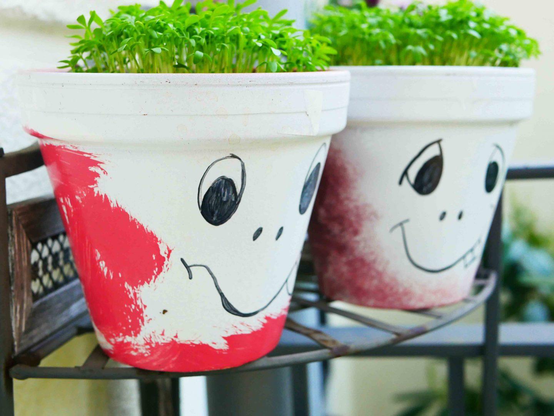 Gärtnern mit Kindern: Blumentopf-Gesichter mit Kresse