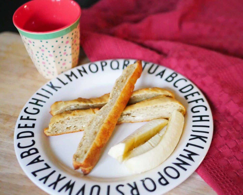 Fingerfood für Babyhände: Dinkelstangen mit Banane