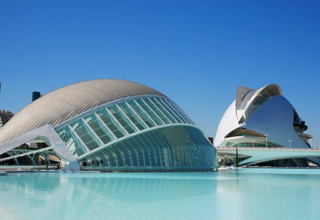 Valencia mit Kindern: Eine unterschätzte Schönheit Spaniens mit Kindern entdeckt. Wunderbare Spielplätze, spannende Architektur und tolle Attraktionen.