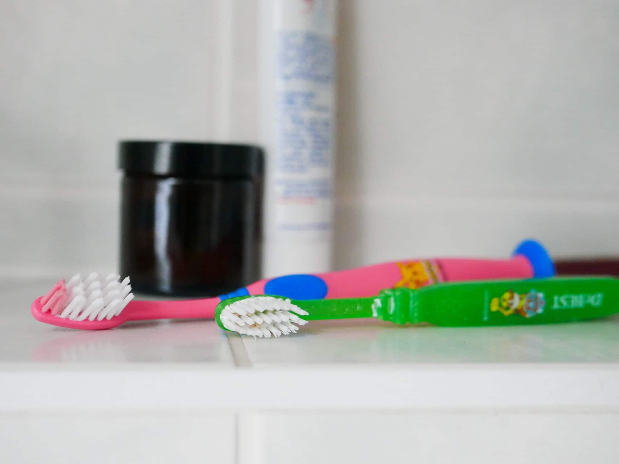 Richtige Zahnpflege mit Kindern: Gemeinsam zu sauberen Zähnen